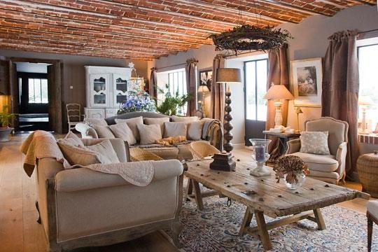 Des id es enflamm es pour le foyer mobilier moderne - Deco salon campagne chic ...