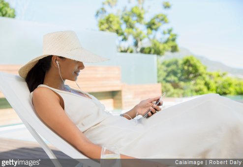 Nos conseils en termes de mobilier pour garder votre terrasse ou votre maison au frais cet été.